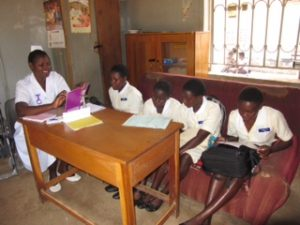 3-midwife-teaching
